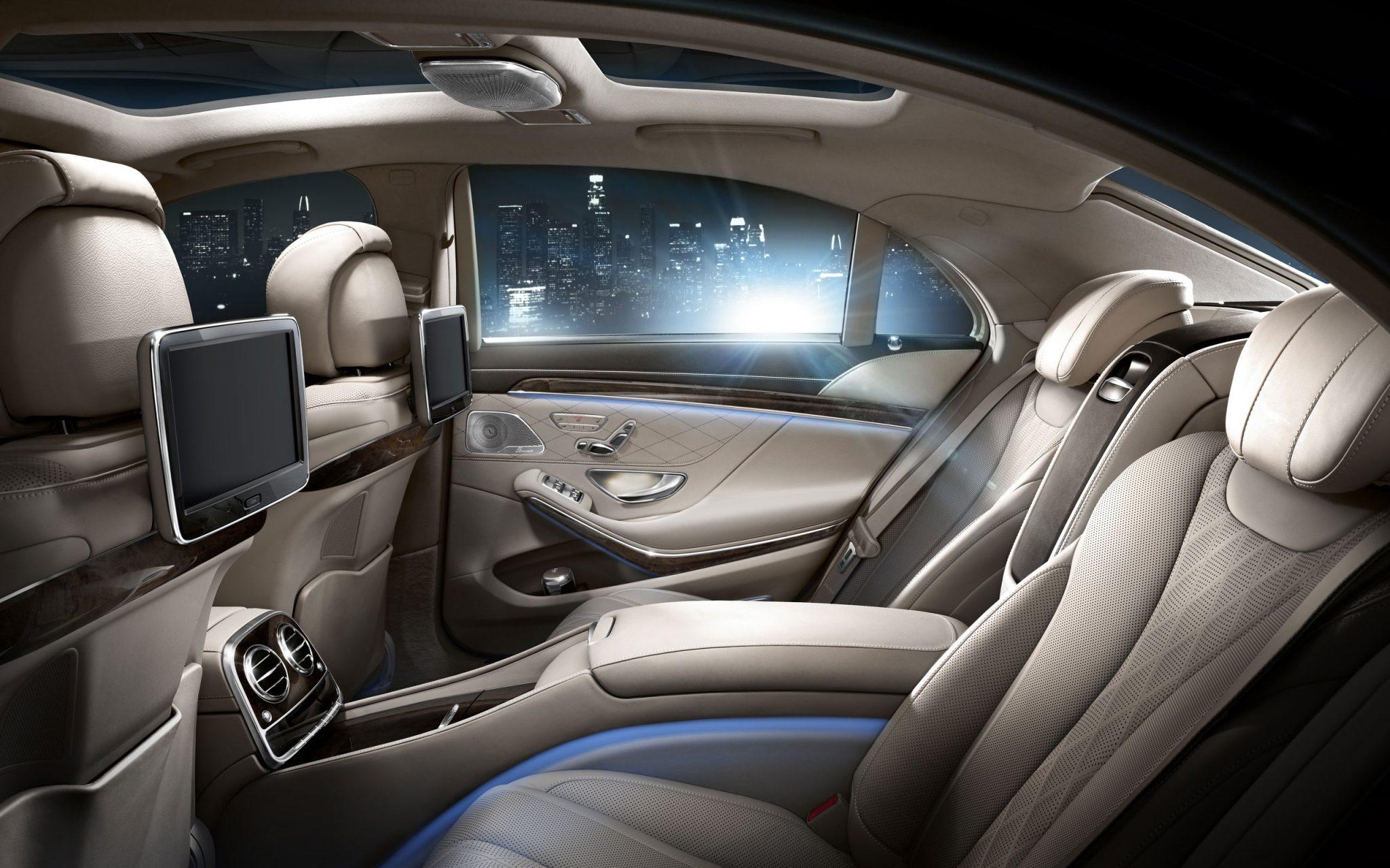 Mercedes Chauffeur in London